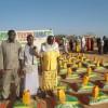 Shirkadda Hormuud Foundation oo deeq Raashin iyo lacagogaarsiiseyBarakacayaasha Abaaraha iyo bukaano degan Duleedka Baardheere (Sawwiro)